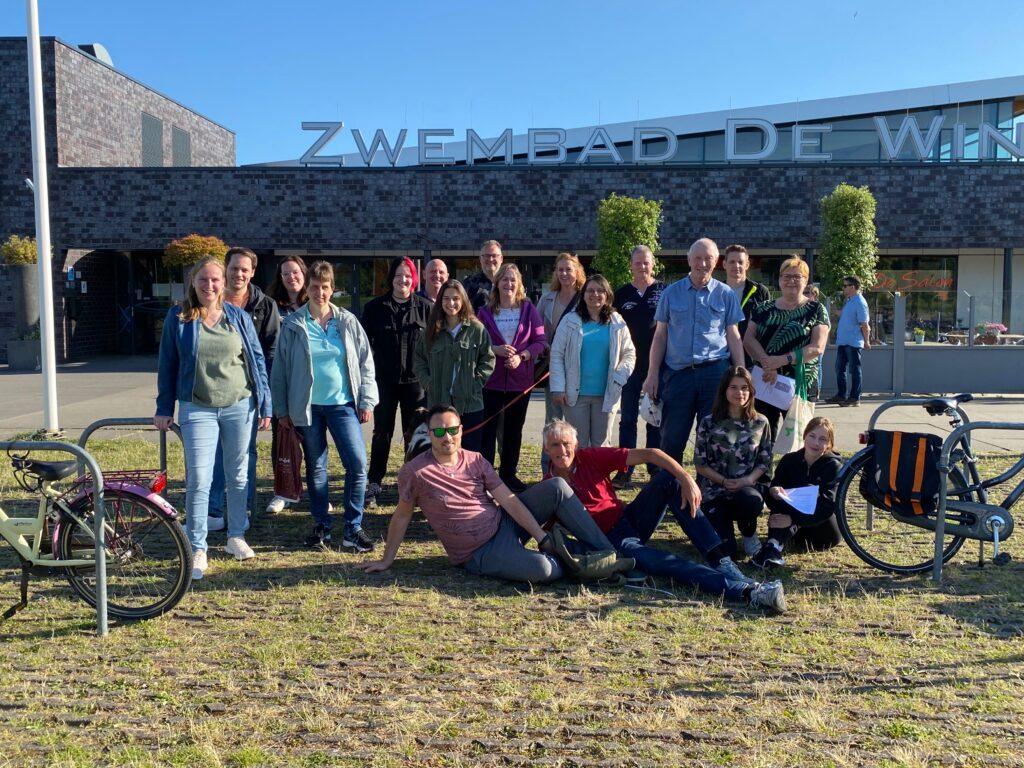 Wandelpuzzeltocht groepsfoto begin| Badmintonclub Lansingerland